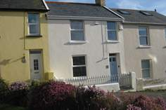 Dot's Cottage Sleeps 6 + cot, Instow.