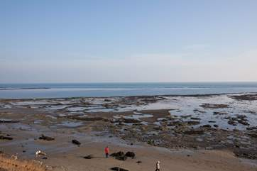 The beautiful beach has non-interupting views across The English Channel
