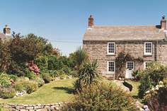 Stone Cottage - Holiday Cottage - 2.3 miles NE of St Just