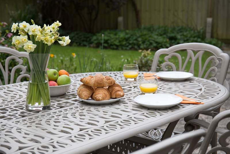 Indulgent breakfasts in the garden.