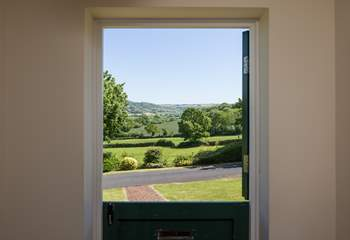 The front door is a stable-door that allows you to appreciate the surrounding countryside.
