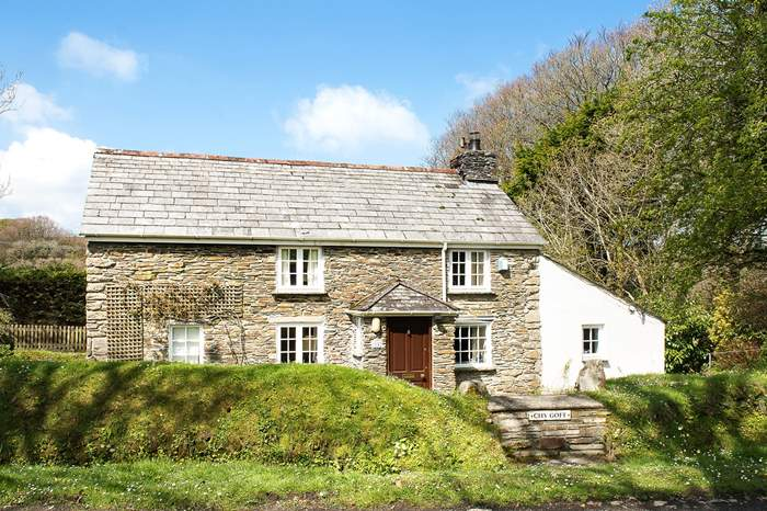 Cottages near Camelford to Watergate
