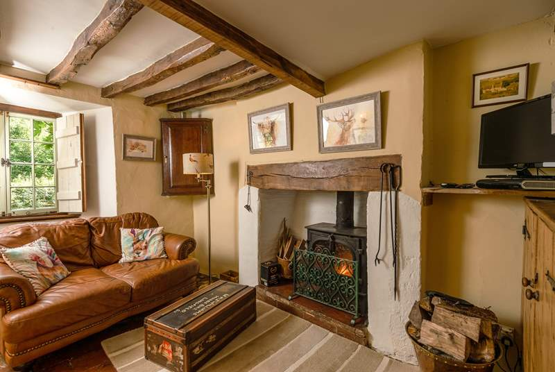 Another view of the living space. Wooden shutters ensure the cosiest stay even out of season.