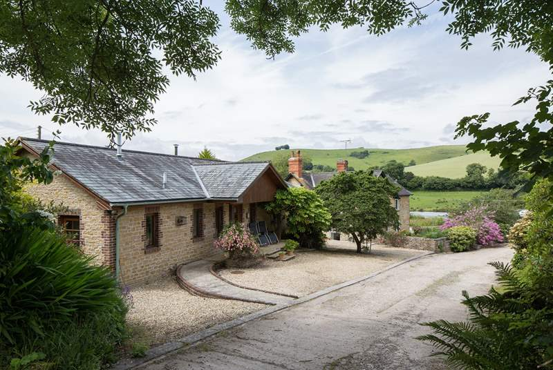 Barbridge Cottage nestles in a natural bowl in the surrounding hills. It is just above the owner's home, yet feels very private.