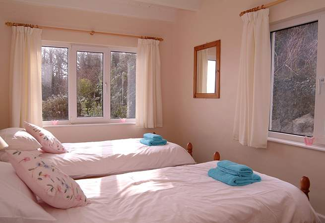 One of the twin bedrooms (Bedroom 3).