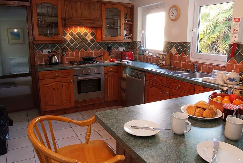 The cottage kitchen is very well-equipped whether you are preparing a light meal, a roast dinner or baking cup cakes.