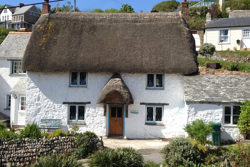 Pretty Kinsale cottage, with room for parking in front of the cottage.