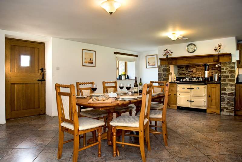 The lovely kitchen/dining-room will make for sociable mealtimes.