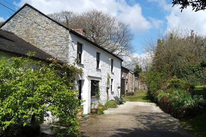 Cottages near The Barley Sheaf at Gorran