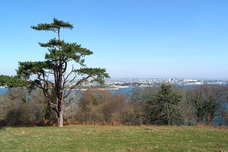 Mount Edgcumbe Country Park is nearby with walks through the grounds looking out over Plymouth Sound.
