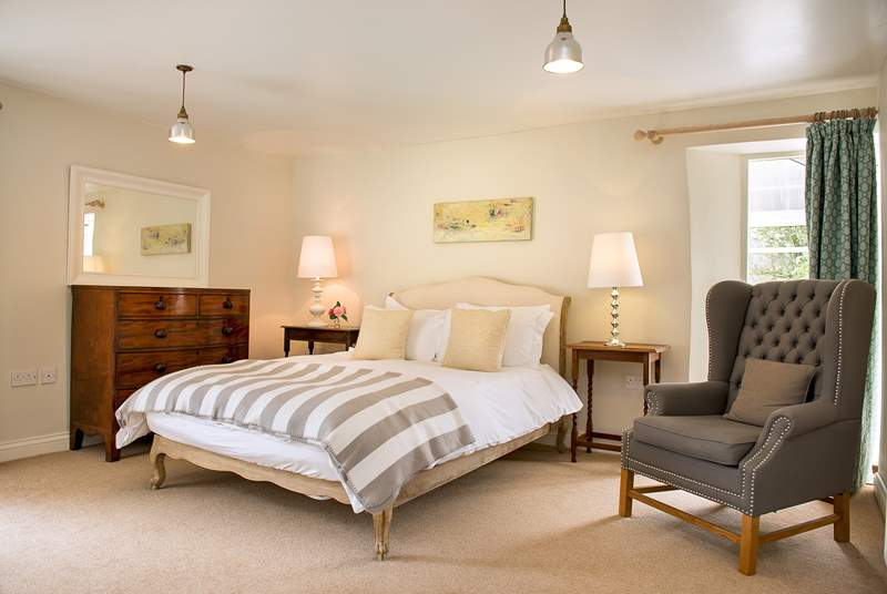 Trewane Barn has 3 beautifully furnished bedrooms.