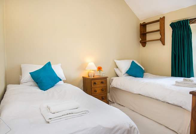 Bedroom 4 also has twin beds.