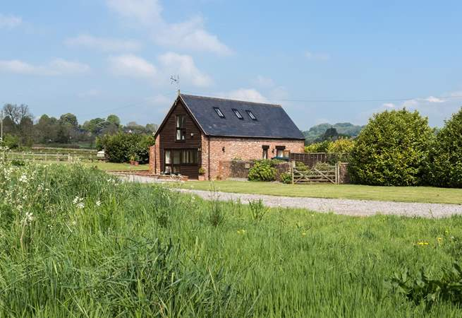Bumble Bee Barn is surrounded by glorious Somerset countryside in an edge of village setting.