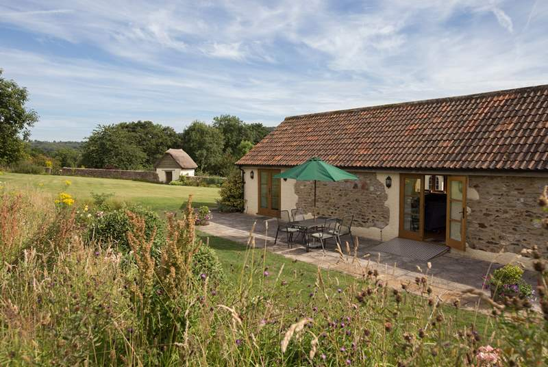 The Old Dairy is a beautiful detached barn conversion, in an utterly tranquil setting on the edge of an orchard.