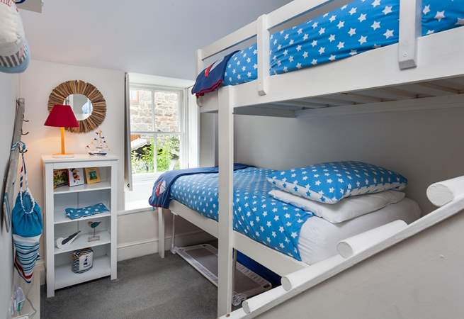 How cute is the bunk-room (suitable for children only) (Bedroom 3).