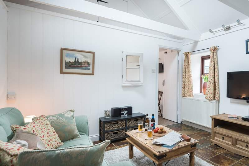 This lovely barn conversion is light and bright and offers a warm welcome.