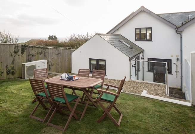 The garden area provides the perfect sun-trap to sit back and unwind in, or serve up a well-deserved cream tea.
