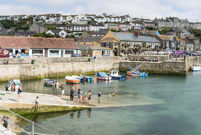 The popular village of Porthleven is within easy reach too, with its numerous eateries and galleries.