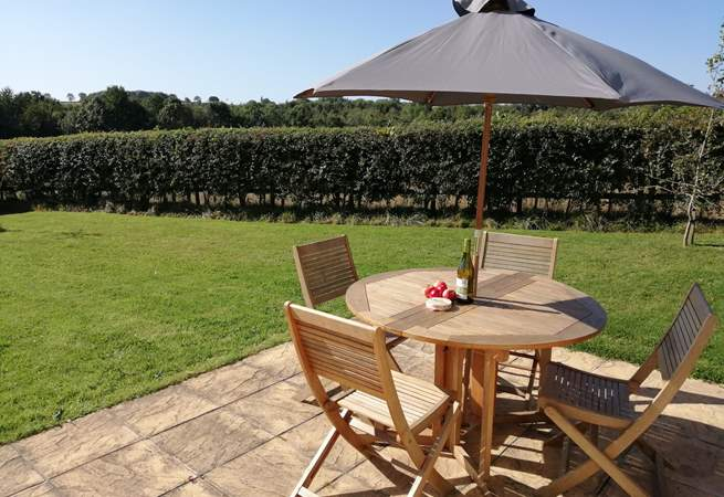 Meadowbank has a wonderful enclosed garden with views over fields.