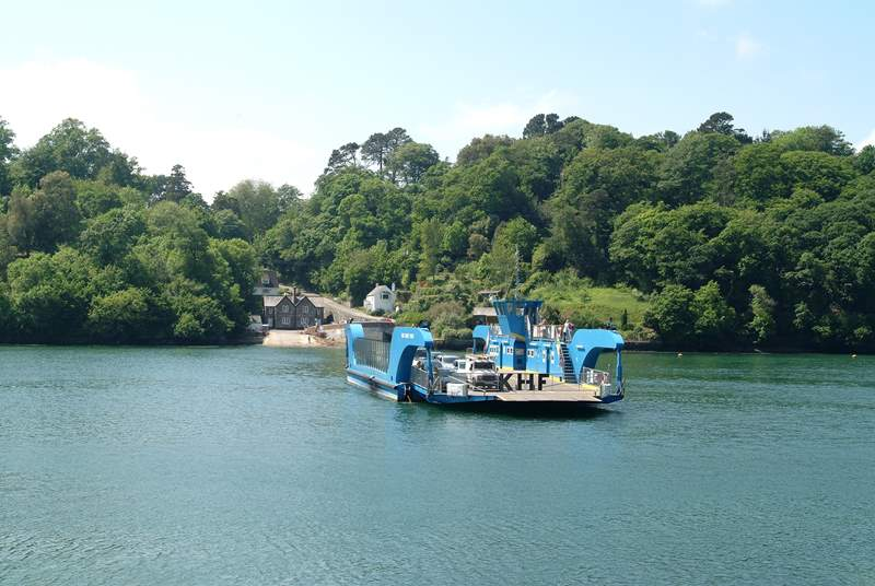King Harry Ferry crosses the River Fal to the Roseland, a lovely day out.