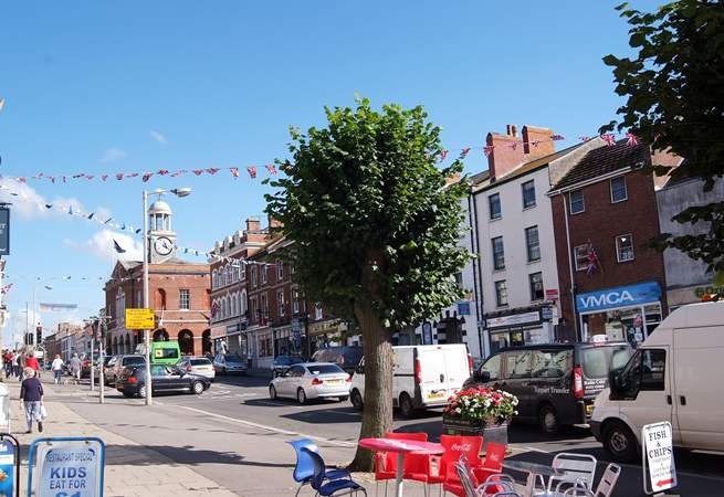 The lovely market town of Bridport is just four miles away. There are two markets each week and lots of interesting shops and cafes to visit.