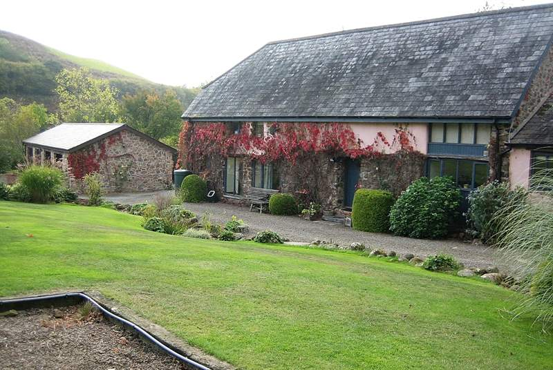 The Cob is a lovely converted barn, The Forge (not shown) is to the right.