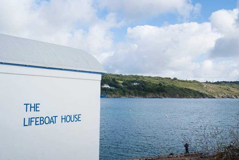 The old Lifeboat House is now a local fish restaurant ( restaurant closed on Mondays, takeaways available Sunday to Friday).