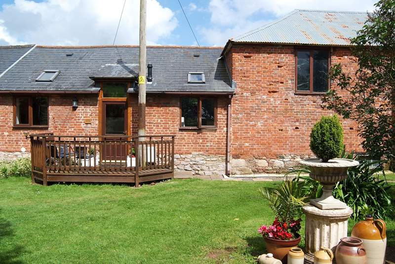 The front of this deceptively spacious and very comfortable cottage.