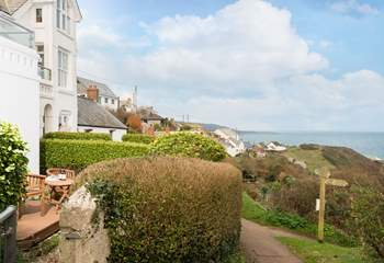 Step outside the little gate and you are on the coast path, walk down to the pub or up to Chynhalls Point and the sculpture gardens.