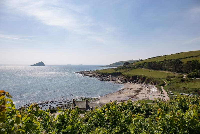 Wembury beach is a short stroll from the property, and what a treat is in store when you get there. A really family friendly, sandy beach.