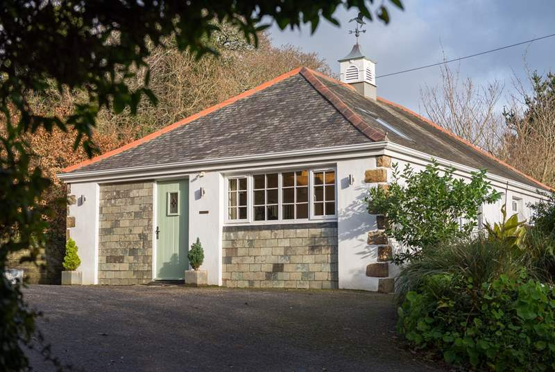 The Gatehouse is a wonderfully comfortable, luxuriously appointed single-storey property.