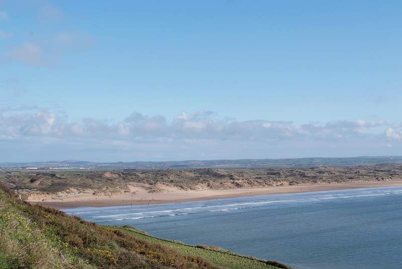 North Devon's beaches are as good as any in Cornwall for surfing! Endless stretches of golden sand and rolling waves. This is Saunton Sands.