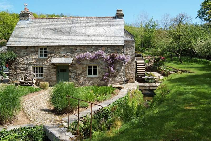 This is the cottage side of the mill which is picture perfect.