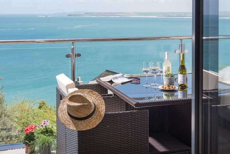 The fabulous balcony at Rolling Surf- look at that view!