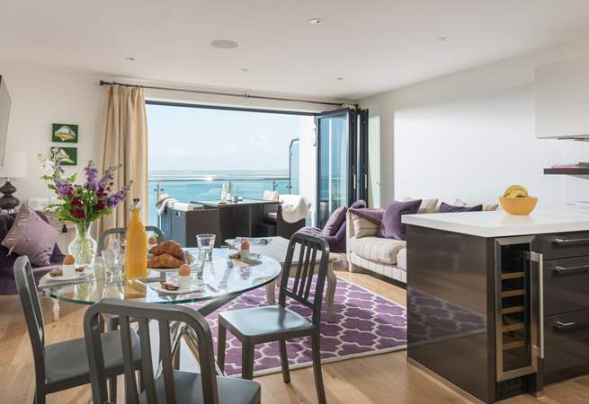 The fabulous view can be enjoyed from every aspect.