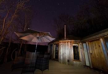 Spend the evening star-gazing from the hot tub.