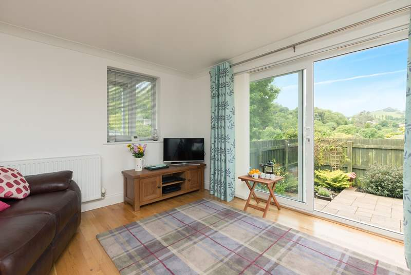Combe View, a ground floor apartment in a very small block, has a lovely fully enclosed garden.