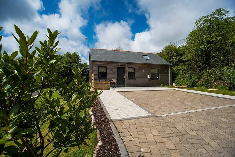 Willow, a contemporary eco-house set within the grounds of The Emerald.