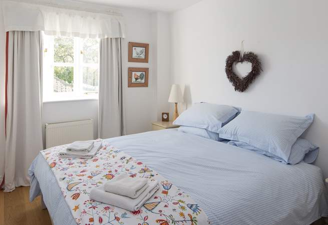 The bedroom has a super-comfy 'zip and link' (super-king or twin) bed, and lovely linens.