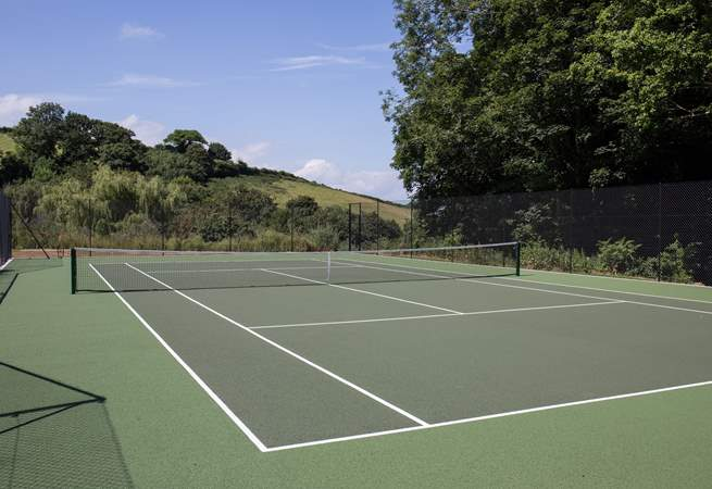 For the sporty and more energetic members of the group, this shared tennis court is perfect. Especially as all equipment is happily supplied by the owner.