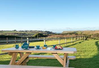 You'll enjoy dining alfresco with such a stunning backdrop.