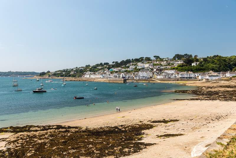 St Mawes has beaches and plenty of eateries.