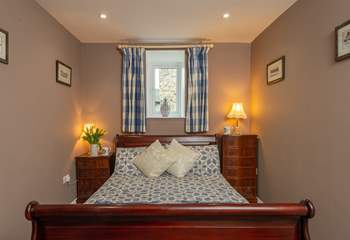 This is the ground floor bedroom with its double sleigh bed.