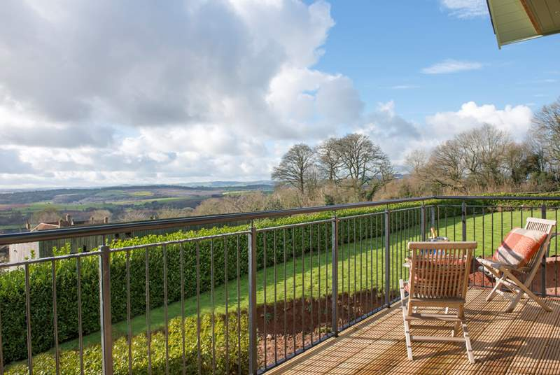 Bashford Lodge has a full width balcony to celebrate the most amazing views - you can see for miles!