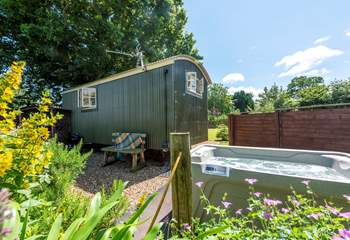 Lamb's Tale is a delightful shepherd's hut, set in its own enclosed paddock with a hot tub.