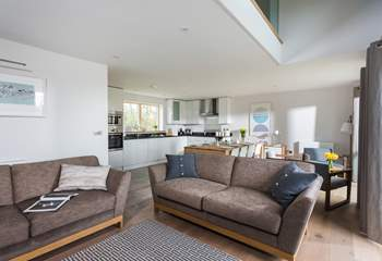 The light and scoiable open plan living space.