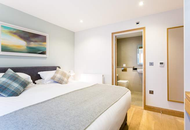 Each bedroom has gorgeous furnishings and and either an en suite bathroom or shower-room.
