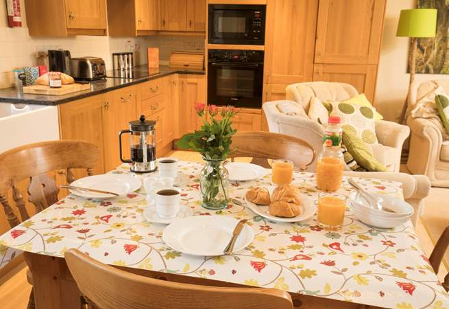 Enjoy a quiet breakfast in the serene countryside.