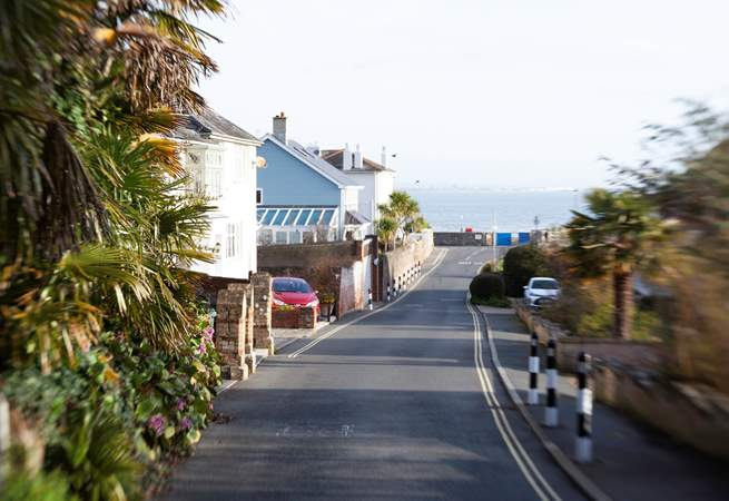 A very short walk to the sea makes this an ideal location.