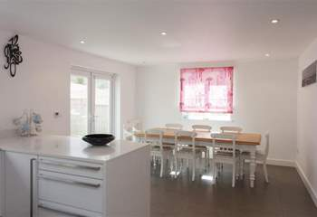 Beautiful open plan kitchen and dining-area.